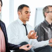 Le smart working et la méditation : quand les sociétés passent à un mode de travail plus sain
